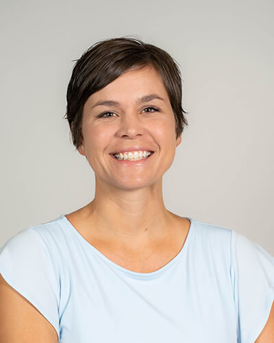 Dr. Lindsay Kinnebrew headshot photo